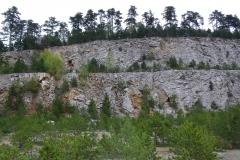 lom Plešivec, Měňany